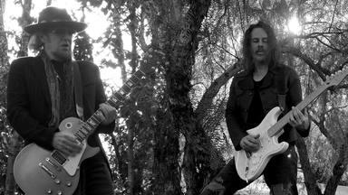 """Así suena """"Scars"""", segundo adelanto del nuevo proyecto de Adrian Smith (Iron Maiden) y Richie Kotzen (Mr.Big)"""
