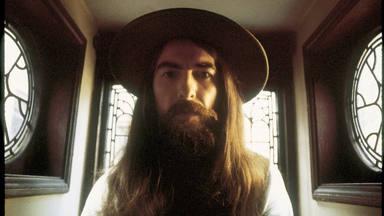 """George Harrison: descubre """"Cosmic Empire"""", su canción oculta que no había visto la luz hasta hoy"""