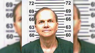 ¿Saldrá de la cárcel el asesino de John Lennon?