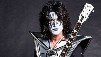 """El guitarrista de Kiss, Tommy Thayer, se encuentra con su hija perdida: """"No podría estar más feliz"""""""