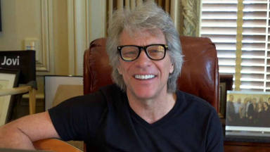 """Bon Jovi se sincera sobre su peor momento: """"Ya no cantaba en la ducha y le hacía peinetas a mi guitarra"""""""