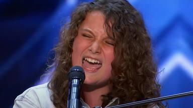 """Queen: Con tan solo 14 años, deja sin palabras a los jueces cantando """"Somebody to Life"""""""