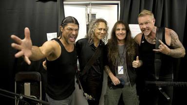 """¿Cómo sonaría """"Enter Sandman"""" (Metallica) si lo hubiera grabado Iron Maiden?"""