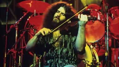 El fundador y violinista de Kansas, Robby Steinhardt, muere a las 71 años