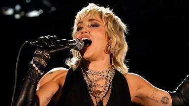 """Miley Cyrus sufre un """"ataque de pánico"""" sobre el escenario: """"Ha sido terrorífico y alarmante"""""""