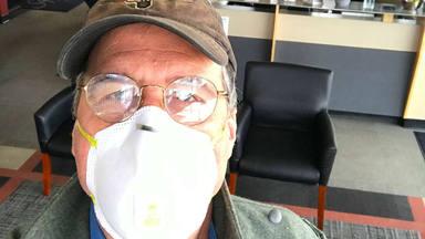 Krist Novoselic (Nirvana) se ríe de la gente que se cree los bulos conspiranoicos sobre el coronavirus