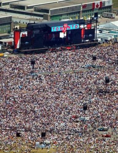 The Rolling Stones y AC/DC luchan contra el SARS con un concierto en Toronto en 2003