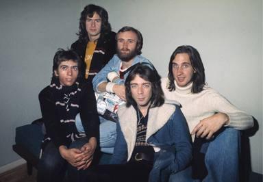 Phil Collins: Mucho más que el baterista de Genesis