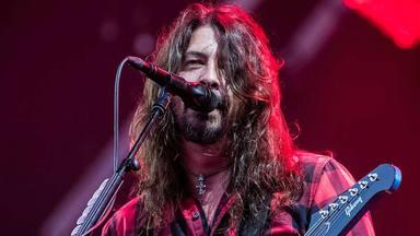 """Las súplicas de Dave Grohl cuando Pat Smear decidió dejar Foo Fighters: """"Se lo pedí llorando y de rodillas"""""""