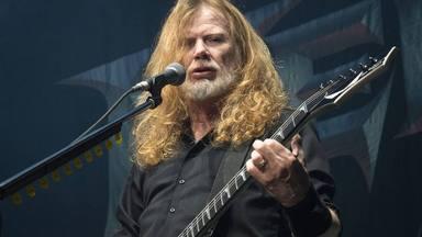 """Dave Mustaine (Megadeth) """"raja"""" contra las mascarillas en el escenario: """"Se le llama tiranía"""""""