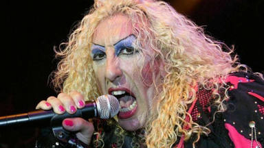 "Dee Snider (Twisted Sister) recuerda la humillación que pasó para que se publicara ""We're Not Gonna Take It"""