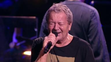 Ian Gillan (Deep Purple) se resigna ante el comportamiento más molesto que pueden tener los fans