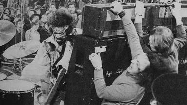 Jimi Hendrix vs. Marshall