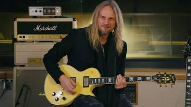 ¿Quieres aprender a tocar los clásicos de Judas Priest? ¡Su guitarrista te enseña cómo hacerlo!