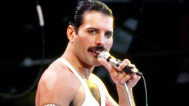 ¿Cuándo apareció el icónico bigote de Freddie Mercury?