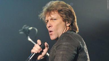 Le dice a la policía que es Bon Jovi para intentar librarse de una multa por emborracharse