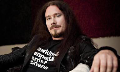Este es el otro proyecto de Toumas Holopainen, líder de Nightwish: una banda de black metal