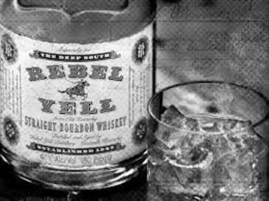 Botella de whisky Rebel Yell
