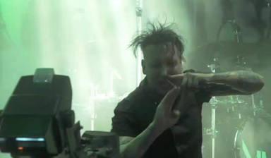 Marilyn Manson dispara un moco contra su audiencia