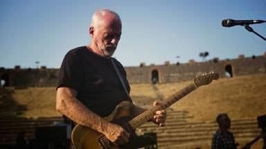 """Escucha la primera canción de David Gilmour (Pink Floyd) desde 2015, """"Yes, I Have Ghosts"""""""