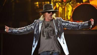 """El mánager de Kiss habla sobre """"lo duro"""" de trabajar con Guns N' Roses: """"Dieron positivo en 27 drogas"""""""
