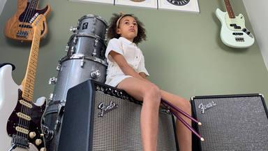 """La pequeña Nandi Bushell consigue el elogio de Linkin Park después de tocar """"Numb"""""""