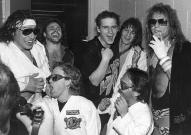 Van Halen con el ganador del concurso de MTV
