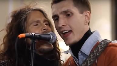 Estas estrellas de rock flipan con sus fans cantando sus canciones junto a ellos