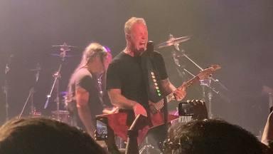 """Metallica vuelve a aparecer """"por sorpresa"""" para dar un concierto: estos son los vídeos y su setlist"""