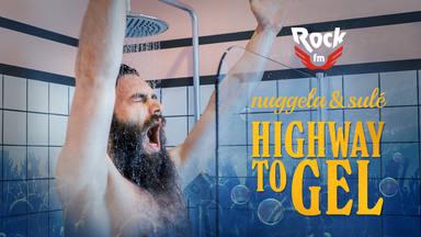 ¿Qué voces NO están cantando en la ducha en 'Highway to Gel' de RockFM?