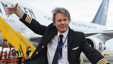 """Bruce Dickinson y su despido de su puesto como piloto de avión: """"Todo el compañerismo desapareció"""""""