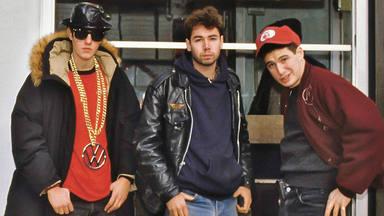 Imagen de la portada de 'Beastie Boys. El Libro'.