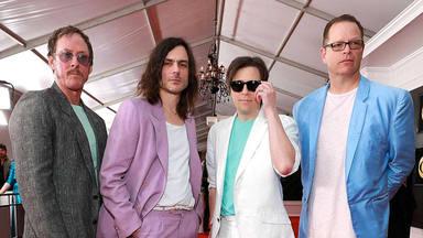 """Weezer """"hizo mucho dinero"""" tocando """"Africa"""" y después """"le retiró la palabra"""" a Steve Lukather (Toto)"""