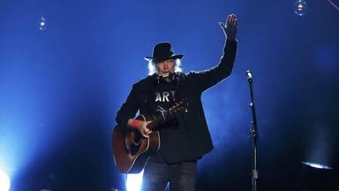 Cuando Neil Young fue demandado por su propia discográfica por no hacer música comercial