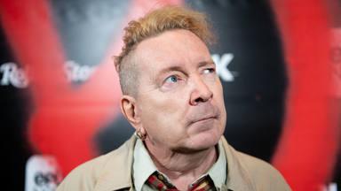 """Johnny Rotten fue despedido de la """"irrespetuosa"""" serie de Sex Pistols: """"Era un saboteador"""""""
