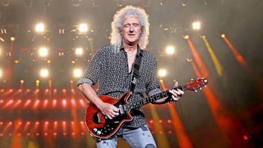 """Brian May (Queen) le regala la versión más """"especial"""" de su Red Special a una de sus guitarristas favoritas"""