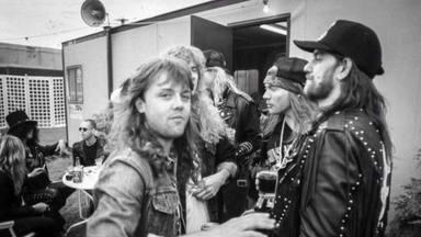 El profundo enfado del ex-bajista de Metallica por esta foto de la banda con Lemmy y Guns N' Roses