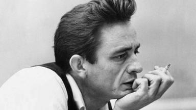 """Cuándo el increíble Jonnhy Cash puso de """"moda"""" tocar en una prisión y reunió a 2000 reclusos"""