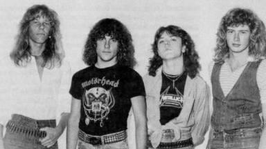 El primer bajista de Metallica, Ron McGovney, muestra una de las reliquias escondidas de la banda