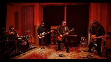 """Wolfgang Van Halen publica dos nuevos singles: """"Don't Back Down"""" y """"Think It Over"""""""