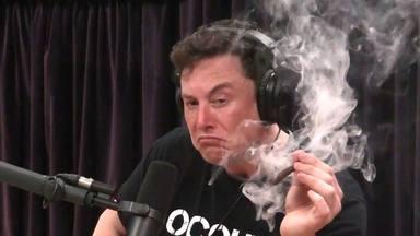 """Elton Musk quiere que escuches rock desde """"un chip en tu cerebro"""""""