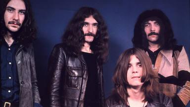 Geezer Butler de Black Sabbath reedita sus discos en solitario.