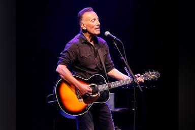 ¿Cómo se sintió Bruce Springsteen la primera vez que se escuchó en la radio?