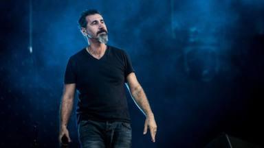 """Serj Tankian desvela el verdadero motivo del regreso de System of a Down: """"No tiene que ver con la banda"""""""