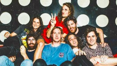 Noche de novedades en RockFM Motel con Bon Jovi, Weezer, Derbi Motoreta Burrito Kachimba o King Gizzard