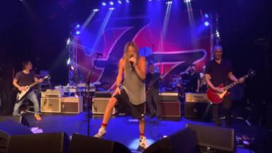 """Mira a Foo Fighters versionar el """"Somebody to Love"""" de Queen en su concierto de regreso"""