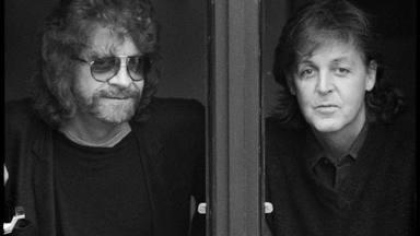 Jeff Lynne y Paul McCartney retratados por Linda McCartney.