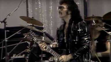 """Tony Iommi recuerda la """"improvisada"""" reunión de Black Sabbath en el Live Aid"""