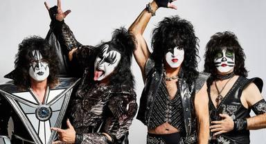 """Escucha un directo inédito de Kiss tocando """"I Was Made For Lovin' You"""" en Japón"""