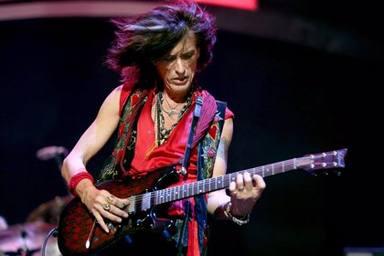 """Joe Perry (Aerosmith) recuerda cuándo conoció a Prince: """"al principio nunca lo vi como un guitarrista"""""""